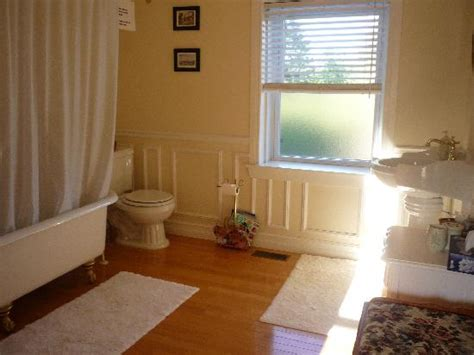 4 piece bathroom definition guest 4pc bathroom picture of place victoria place bed