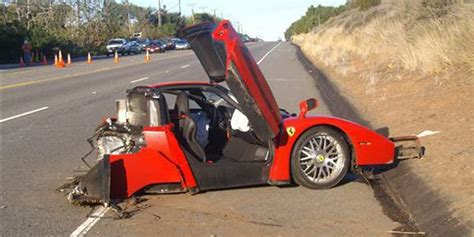 Crashed Ferrari Enzo by Wrecked Ferrari Enzo Sells For 1 7 Million Business Insider