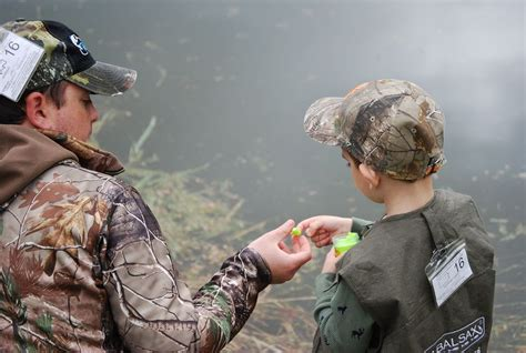 pa fish and boat commission mentored youth trout fishing in pennsylvania fish this pa