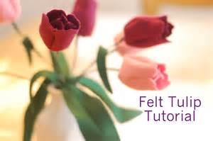springtime craft tutorial felt tulips whileshenaps com
