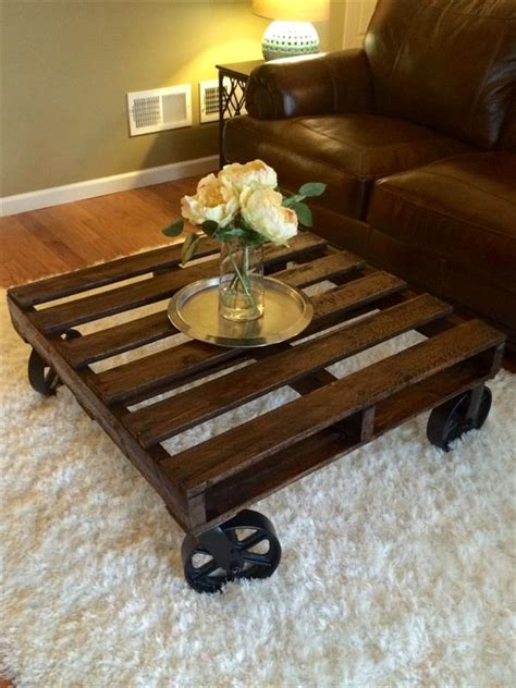 Diy Pallet Coffee Table Wheels Diy Pallet Coffee Table With Wheels Pallet Furniture Plans