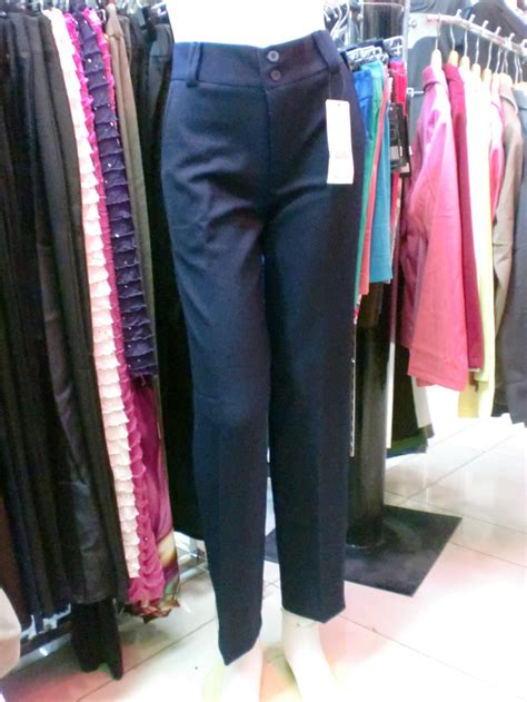 Ibu Muda Pakai Celana celana bahan kantor kerja formal wanita cewek basic slim fit must muss