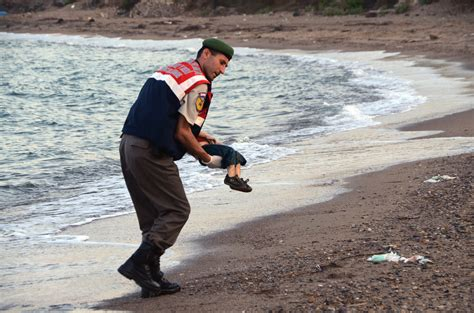 the boat was drowned photo of drowned syrian child prompts calls for action