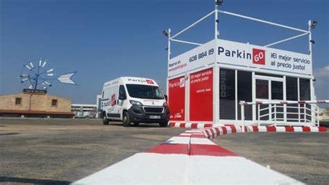 lavado de coche en puerto venecia parking aeropuerto palma de mallorca parkingo