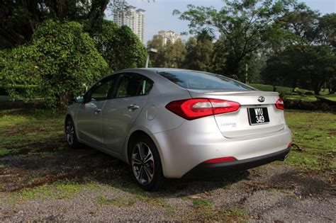 kia cerato 2 0 review test drive review kia cerato 2 0 lowyat net cars
