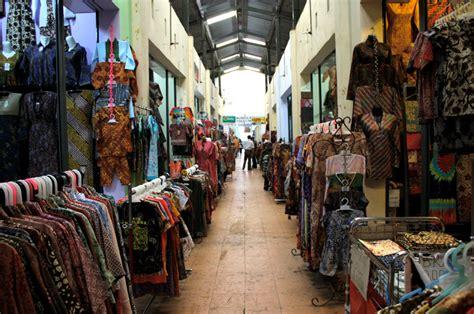Kain Batik Jarik Batik Selendang Batik Kemeja Batik tour in bandung pasar batik baltos