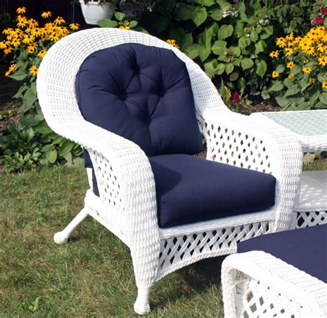 White Outdoor Wicker Furniture by White Outdoor Wicker Chair