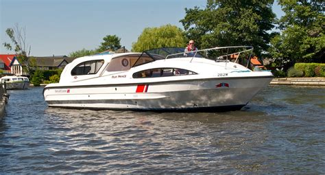 boats norfolk broads gt fair prince boating holidays norfolk broads direct