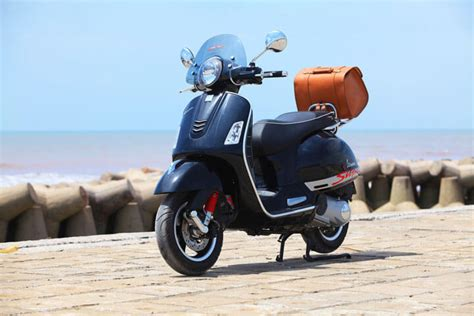 motosikletteki tercih scooter ve siyah renk oldu moto aktueel