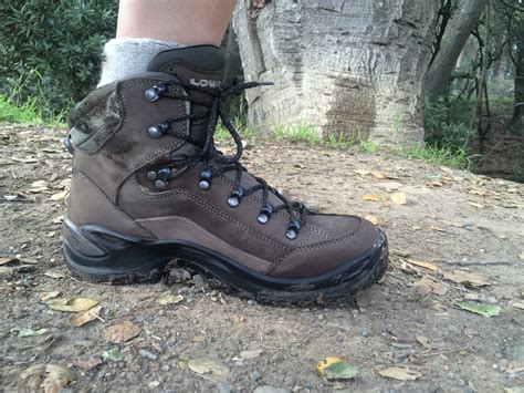 gear review s lowa renegade gtx mid hiking boots