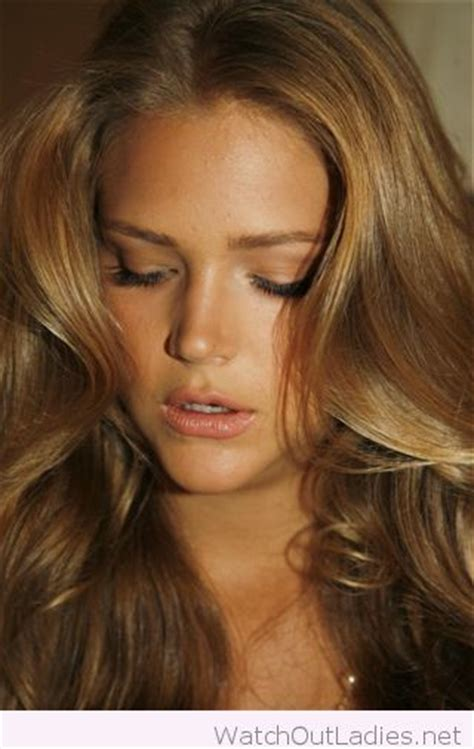 brown and gold hair colour 25 best ideas about golden brown hair on pinterest