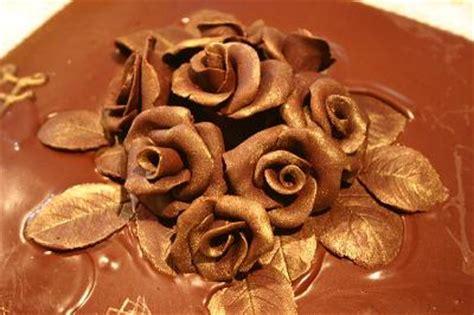 fiori cioccolato plastico cp torte con fiori di cioccolato plastico by marcy