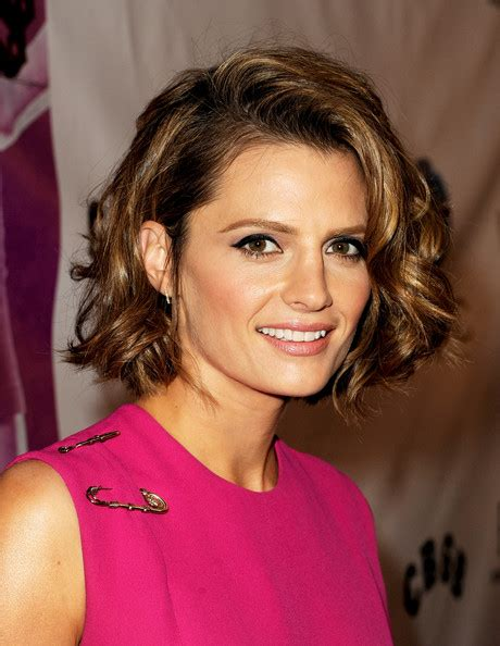 Stana Katic Hairstyles by Stana Katic Curled Out Bob Hairstyles Lookbook