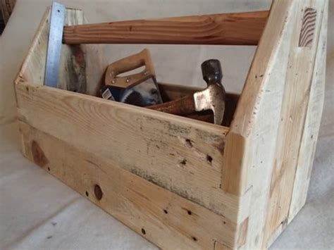 How To Make A Tool Box Out Of Paper - pallet wood toolbox
