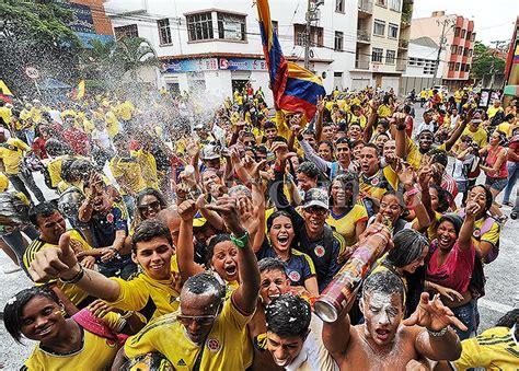 desde lejos asuntos colombianos 0265357144 colombia 191 pa 237 s feliz o pueblo rumbero y festivo las2orillas