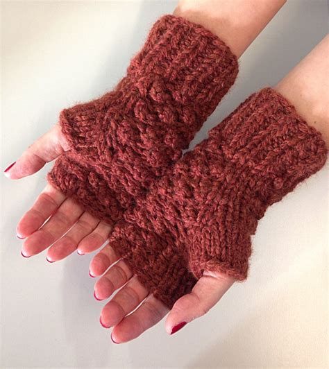 increase in next stitch knitting raspberry stitch mittens shortrounds