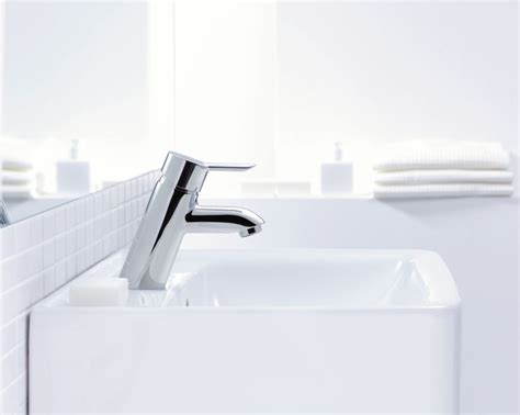 how to clean chrome fixtures in bathroom how to clean chrome bathroom fixtures 28 images the