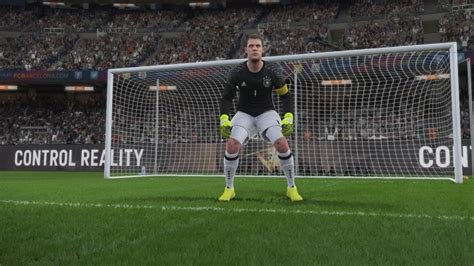 best pes from 10 1 pro evolution soccer 2017 s top goalkeepers
