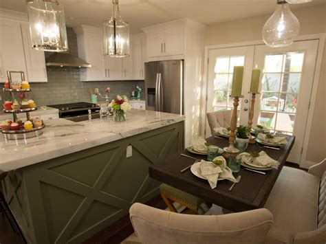 A Size Challenged Home Goes Vegas Cottage Glam   Flip or