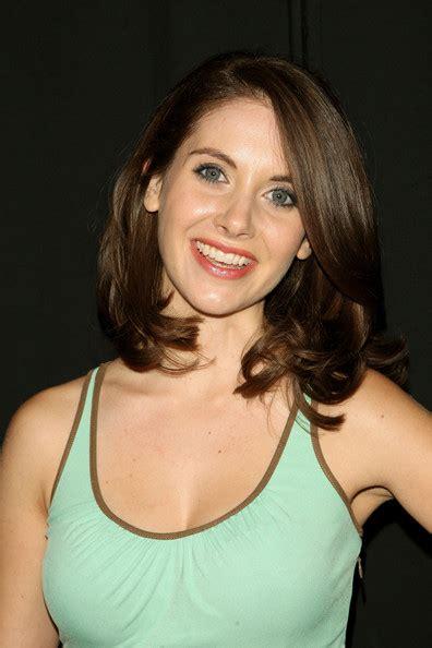 alison brie actress flashdance jennifer beals crochet dress amber rose nud