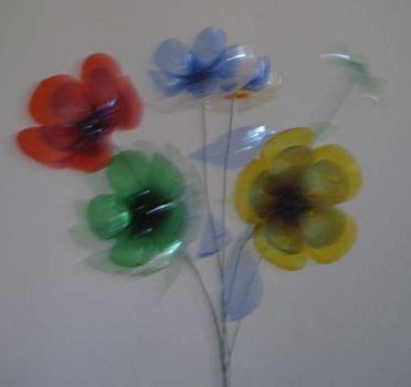 fare fiori con bottiglie di plastica come fare a realizzare dei fiori con bottiglie di plastica