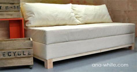 decorar cama en sofa como hacer un sofa cama facilisimo