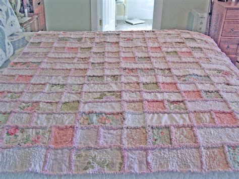 shabby chic quilt patterns shabby chic rag quilt