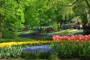 colorful keukenhof gardens world for travel