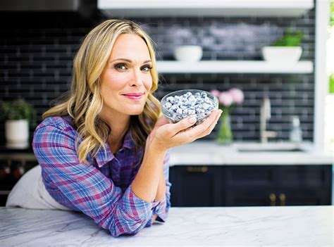 New York Chic Molly Sims Shows How In Sleek Grey Peeptoes A Snuggly Cardigan Ruana With A Style Blouse Fashiontribes Fashion by Molly Sims Shares How To Declutter Like A Supermodel