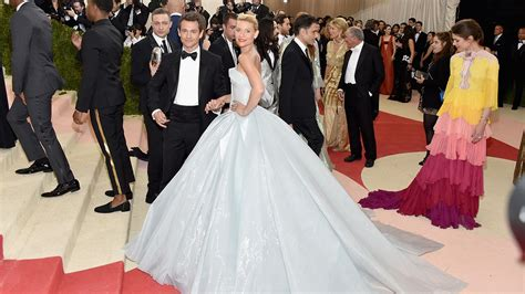claire danes zac posen the internet loved claire danes met gala 2016 dress by