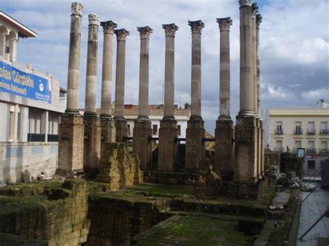 html imagenes en columnas columnas templo romano