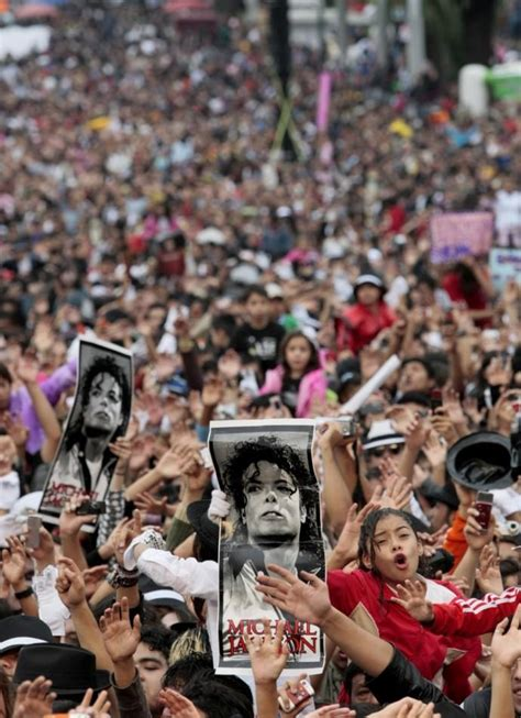michael jackson fan events that shaped the us in the past decade 2000 2010