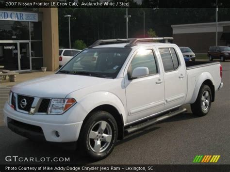 white nissan frontier avalanche white 2007 nissan frontier le crew cab steel