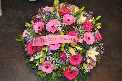 coussin de fleurs pour deuil fleurs deuil et composition enterrement fleurodet