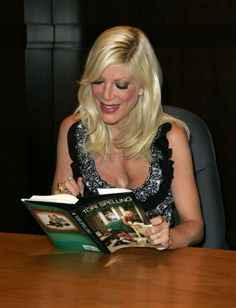 Novel Spelling Mommywood spelling in spelling s quot mommywood quot book signing zimbio