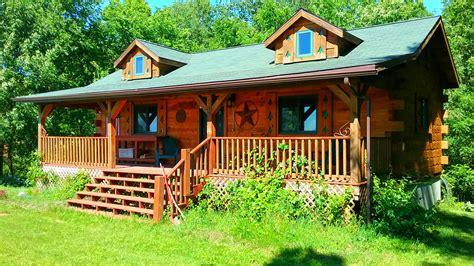 Chestnut Hill Cottage by Chestnut Hill 2 Bedroom Log Cabin Iowa Cabin Rentals