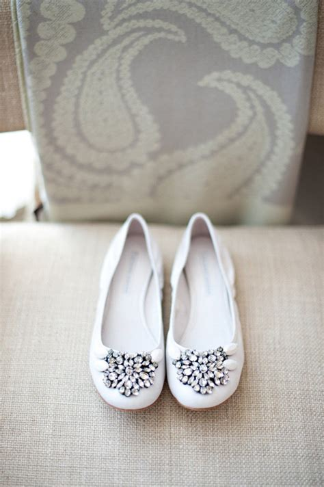 pretty flat wedding shoes shoes by vera wang lavender label photography by vasia
