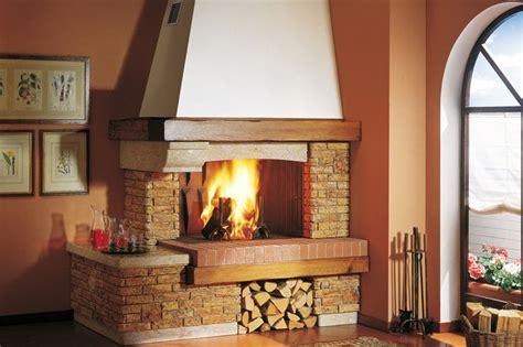camino e forno a legna 17 migliori idee su caminetti a legna su log