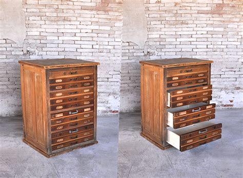 piccole cassettiere in legno cassettiera vecchia tipografia design industriale