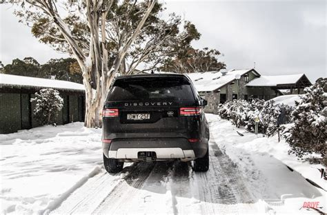 land rover snow 2017 land rover discovery sd4 hse review video