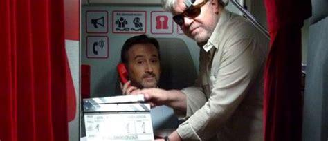 pedro almodovar komedie ferske bilder fra almod 243 vars nye film en h 248 ytsvevende