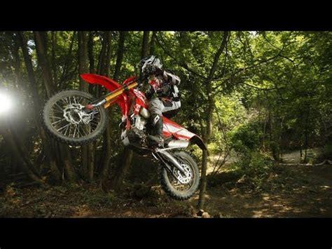 motor kiralayarak dogayi sev enduro motosiklet kiralama