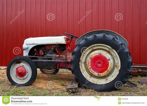 sleepboot antiquiteit tractor royalty vrije stock afbeelding afbeelding 2551856