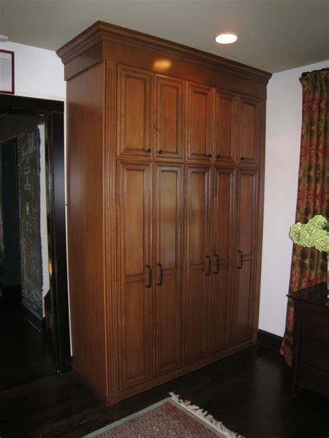 Built In Wardrobe Cabinets Built In Wardrobe Cabinet For Hanging And Storage In