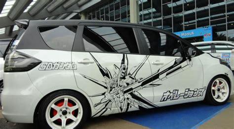 Stiker Mobil Ertiga 114 tokoh kartun narsis bareng di sentul otomotif liputan6