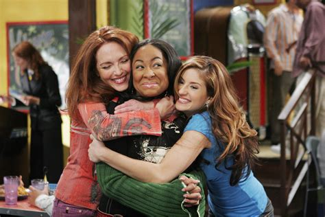 the trailer for the that s so raven sequel show on