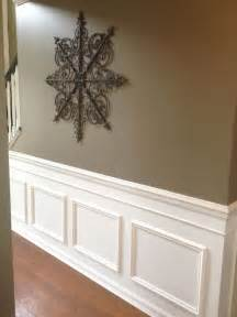 Diy faux wainscoting added to my builder s grade home add chair rail moulding box moulding