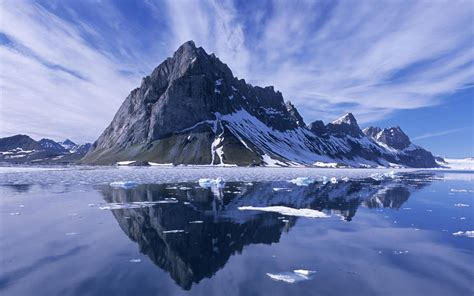 floating   ice    mountains