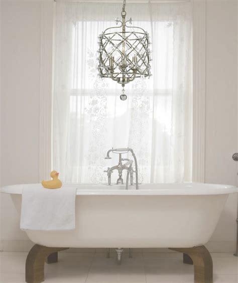 badezimmer mit kronleuchter kronleuchter im bad gem 252 tliche und elegante inneneinrichtung