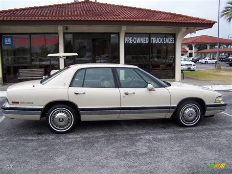 white buick park avenue 1993 white buick park avenue sedan 24999399 gtcarlot